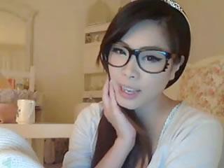韩国眼镜,女孩住在网上
