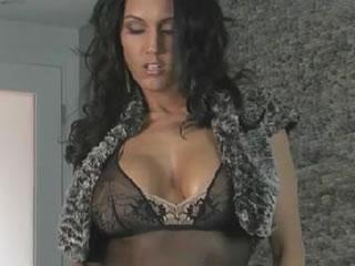 加拿大印度美女展�F她魔鬼身材