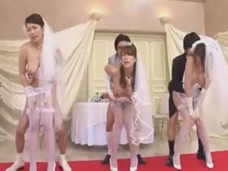 日本新娘户外团体性交