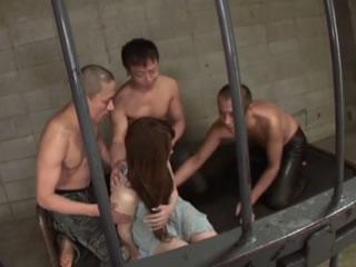 监狱牢房小组性强奸女孩连续