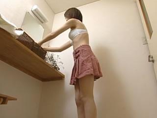 日本丰满的女神淋浴浸透了诱惑