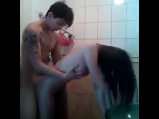 90对夫妇在厕所里做爱