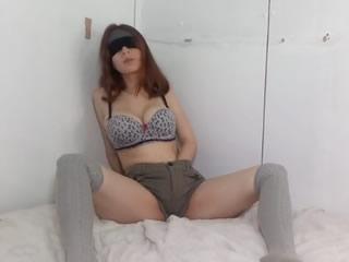 哥斯�_黎加巨乳少女用腋�C打�w�C