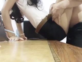 泰国大学女孩和她的老师爱爱