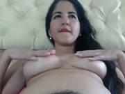 巴西人妻係床上指玩弄多陰毛潮噴