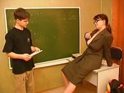 俄羅斯成熟老師挑逗學生同佢性交