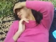 Adolescente timide se faire baiser en plein air