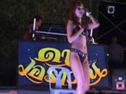 แก้ผ้าเต้นที่สาธารณชนไทย