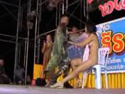 แก้ผ้าเต้นที่สาธารณชนไทย 6