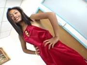 洋大屌探訪亞洲 可能係亞洲最小的色情藝員