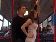 公車上女孩挑逗乘客