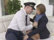 性感的德國空姐俾飛行員後入